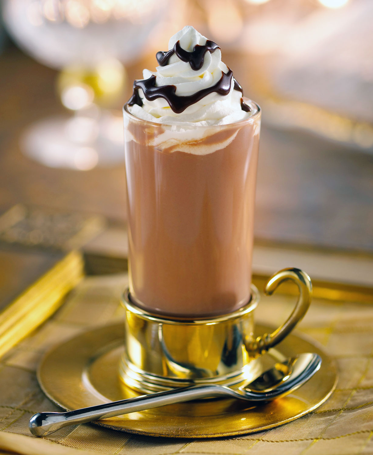 chocolate-hot-drink-whipped-cream-1_webupdate